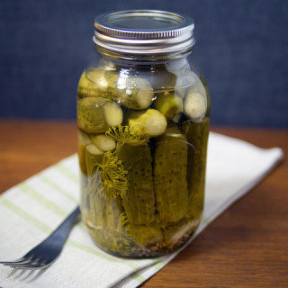 Dill Pickle Recipe (with Garlic and Honey)