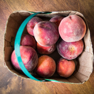 How to freeze peaches