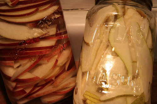 infusined-vodka-with-pear-and-apple