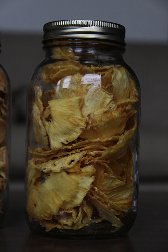 dehydrated-pineapple-slices